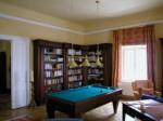 Bibliotek mit Billiardtisch